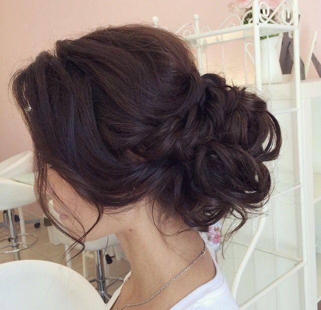 Messy Bun Low Bun Chignon Wedding Updo Wedding Hairstyles Soft