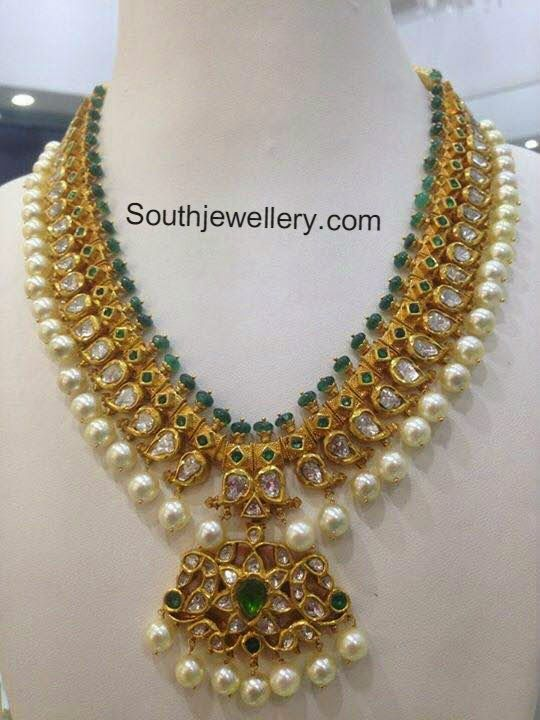 22 Carat Gold Pacchi Necklace Studded With Polki Diamonds Emeralds And South Sea Pearl Drops Weig Indian Jewelry Gold Jewelry Fashion Jewelry Design Necklace