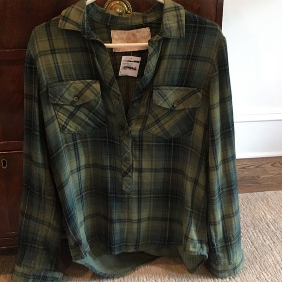 Bella Dahl shirt 100% tencel fabric. Soft and cozy. Bella Dahl plaid shirt. Feels a bit like thin flannel. Brand new with tags from Nordstrom rack. Size small Bella Dahl Tops Blouses