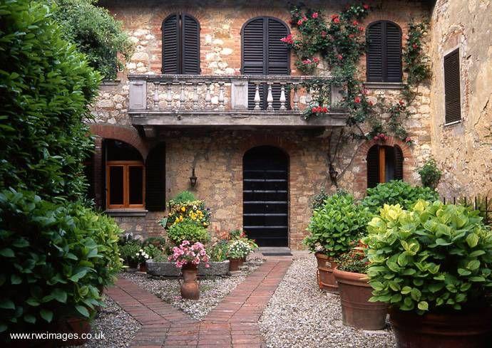 Arquitectura de casas casas bonitas en la campi a de for Fachadas de casas modernas en italia