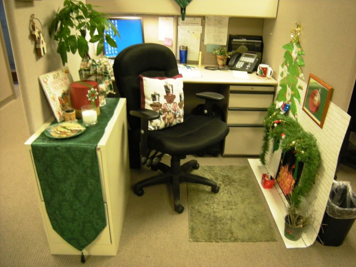 Chic Small Home Office Cubicle Decoration Christmas Green Theme Used  Leather Black Chair Design Combined With Minimalist Computer Desk In Cream  Color