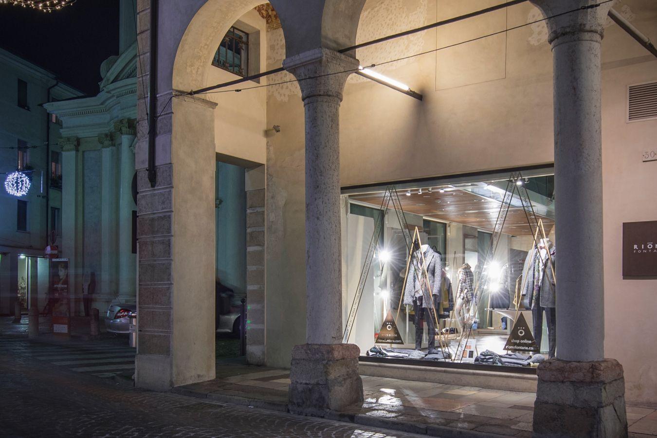 #rionefontana #fashion #moda #uomo #man #shopping #shop #online #instore #store #Treviso #Veneto #Italy #city #cittàd'arte #Christmas #christmasthree #rionefontanatreviso #FW1617 #winter
