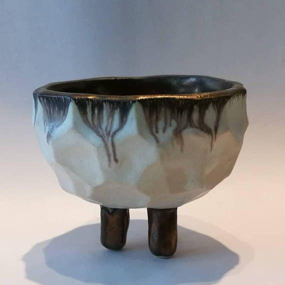 Faceted Ceramic Bowl White And Gold Ceramic Bowls Ceramics Clay Ceramics