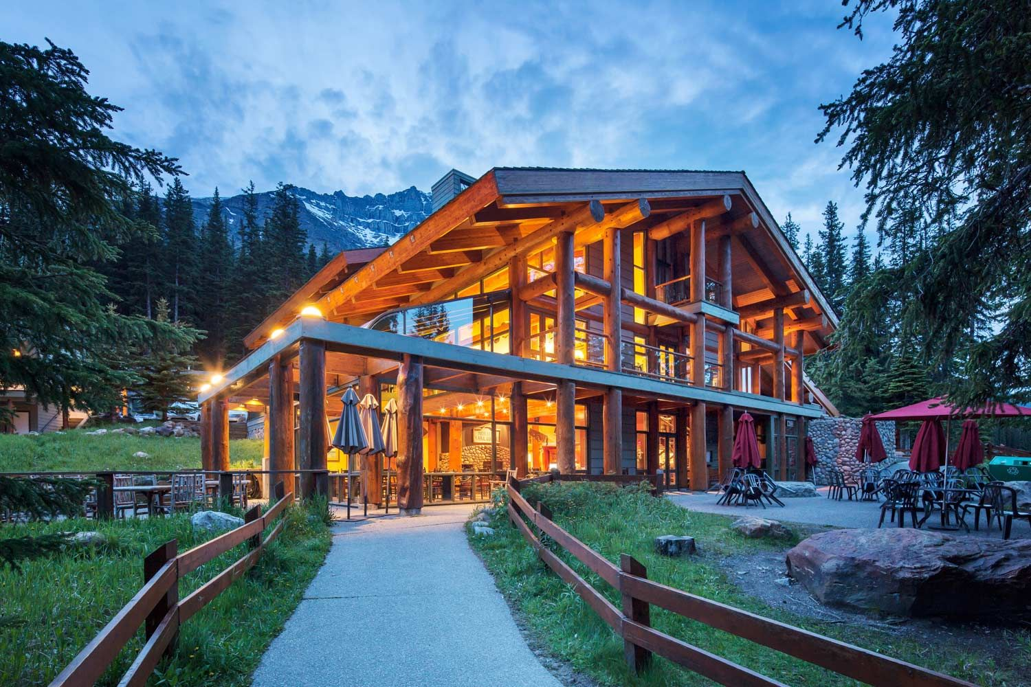 Discover Moraine Lake Lodge In Banff National Park Canada