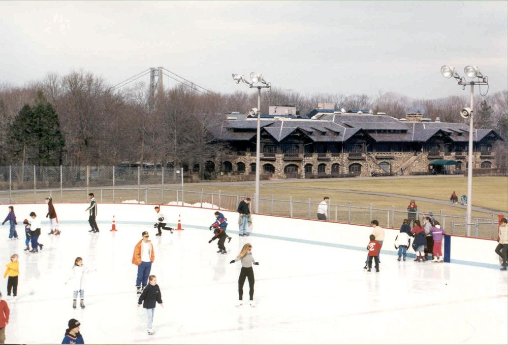 Indoor And Outdoor Ice Skating Rinks In The New York City Area Outdoor Ice Skating Public Skating Winter Skating