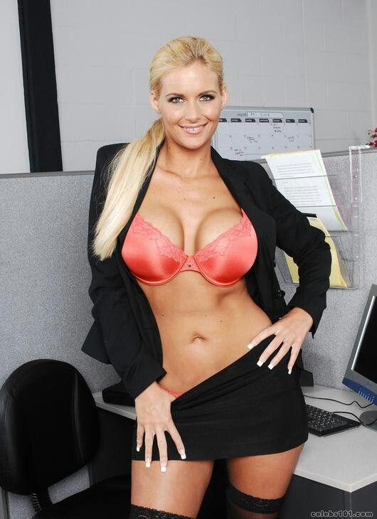 Teacher fucking the secretary in the school office 4