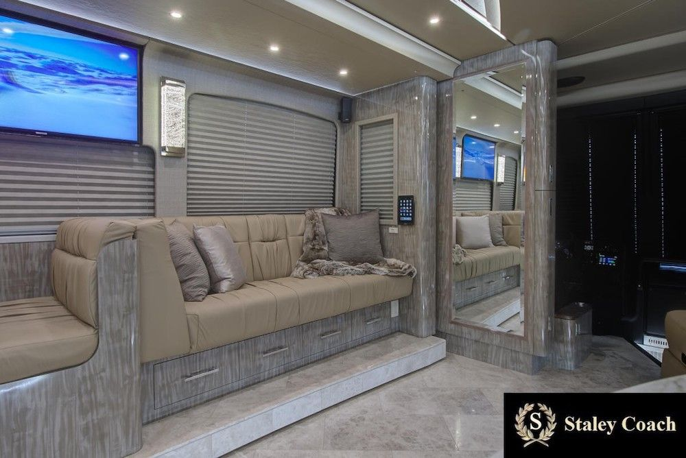 2019 Prevost Florida Coach X3Double Slide 46311 (With