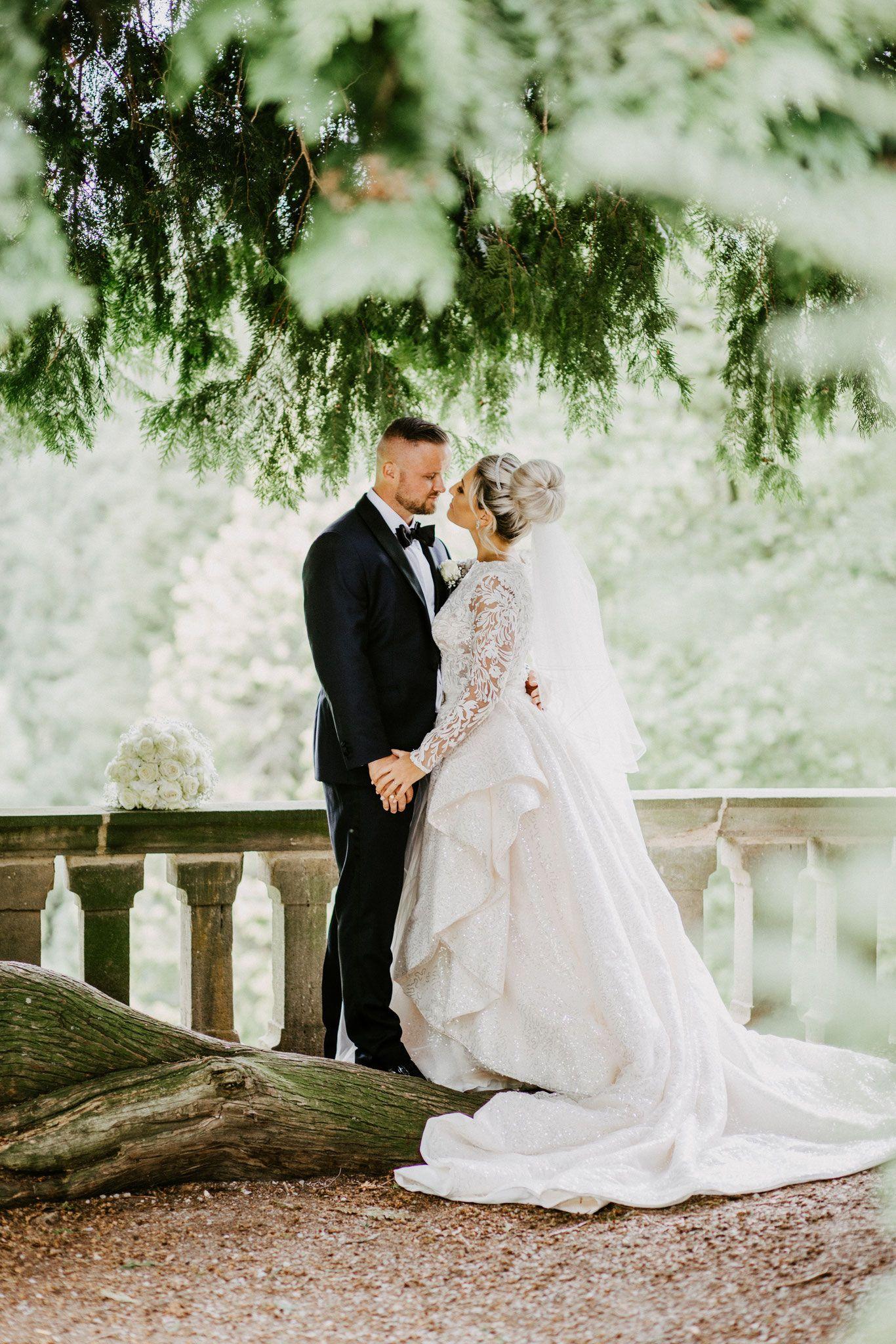 Paarshooting Im Schlosspark Rauischholzhausen Hochzeitsfotograf Hochzeit Bilder Hochzeit