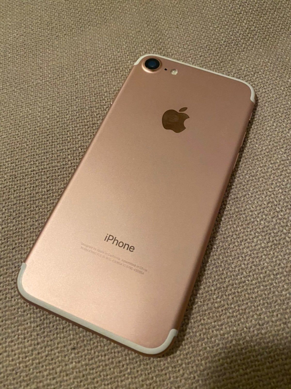 Pin By Djdbdbdbbdbd On Iphones Hermosos In 2021 Iphone 7 Gold Iphone 7 Rose Gold Iphone