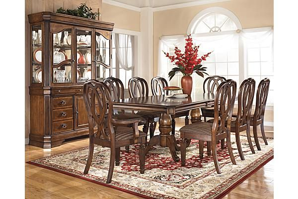 The Hamlyn Dining Room Table From Ashley Furniture Homestore Afhs Com With Rich Tr Dining Room Sets Traditional Dining Rooms Dining Room Furniture