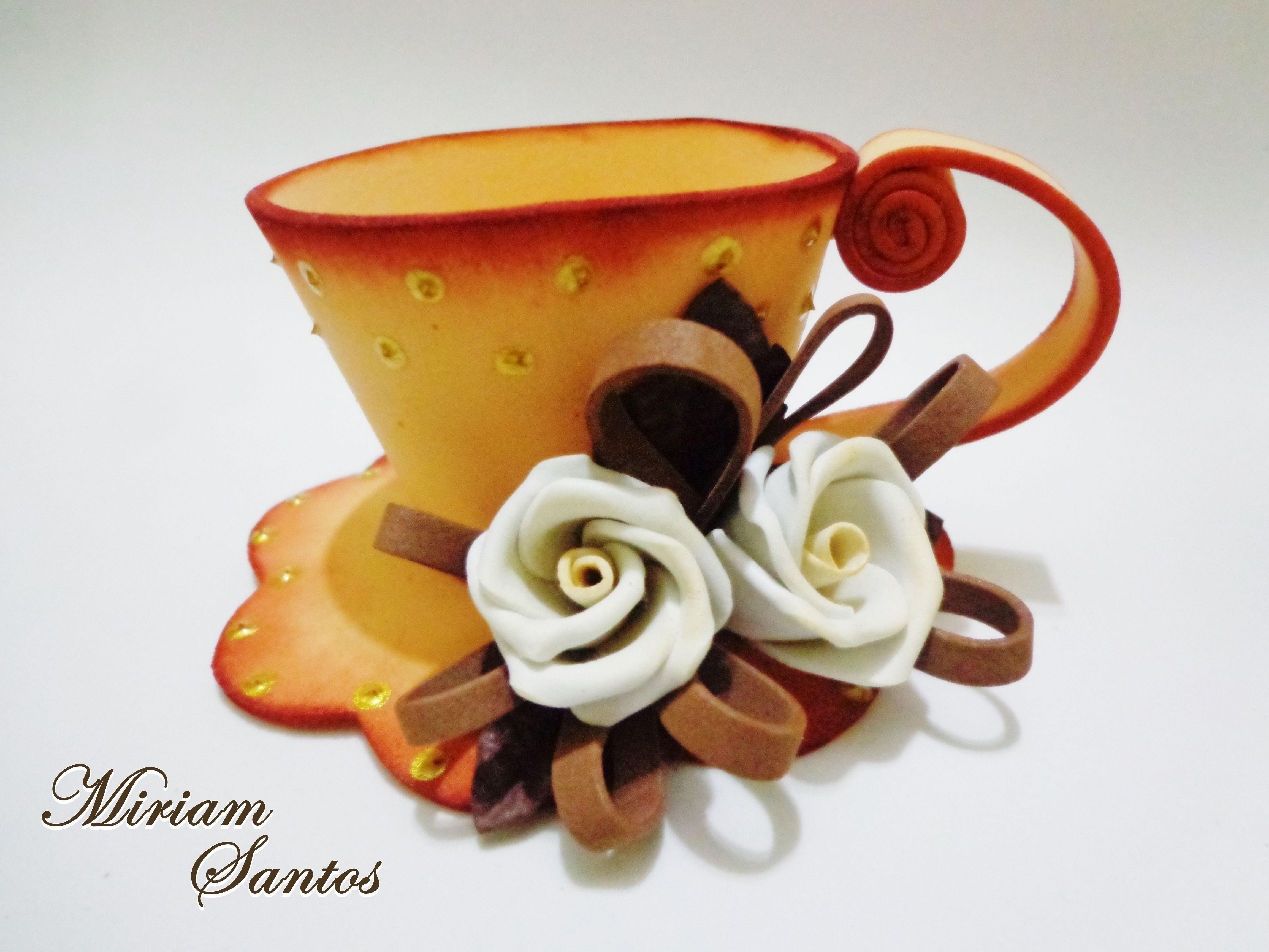 Taza hecha en foami y decorada con flores en foami x cara - Lamparas con goma eva ...