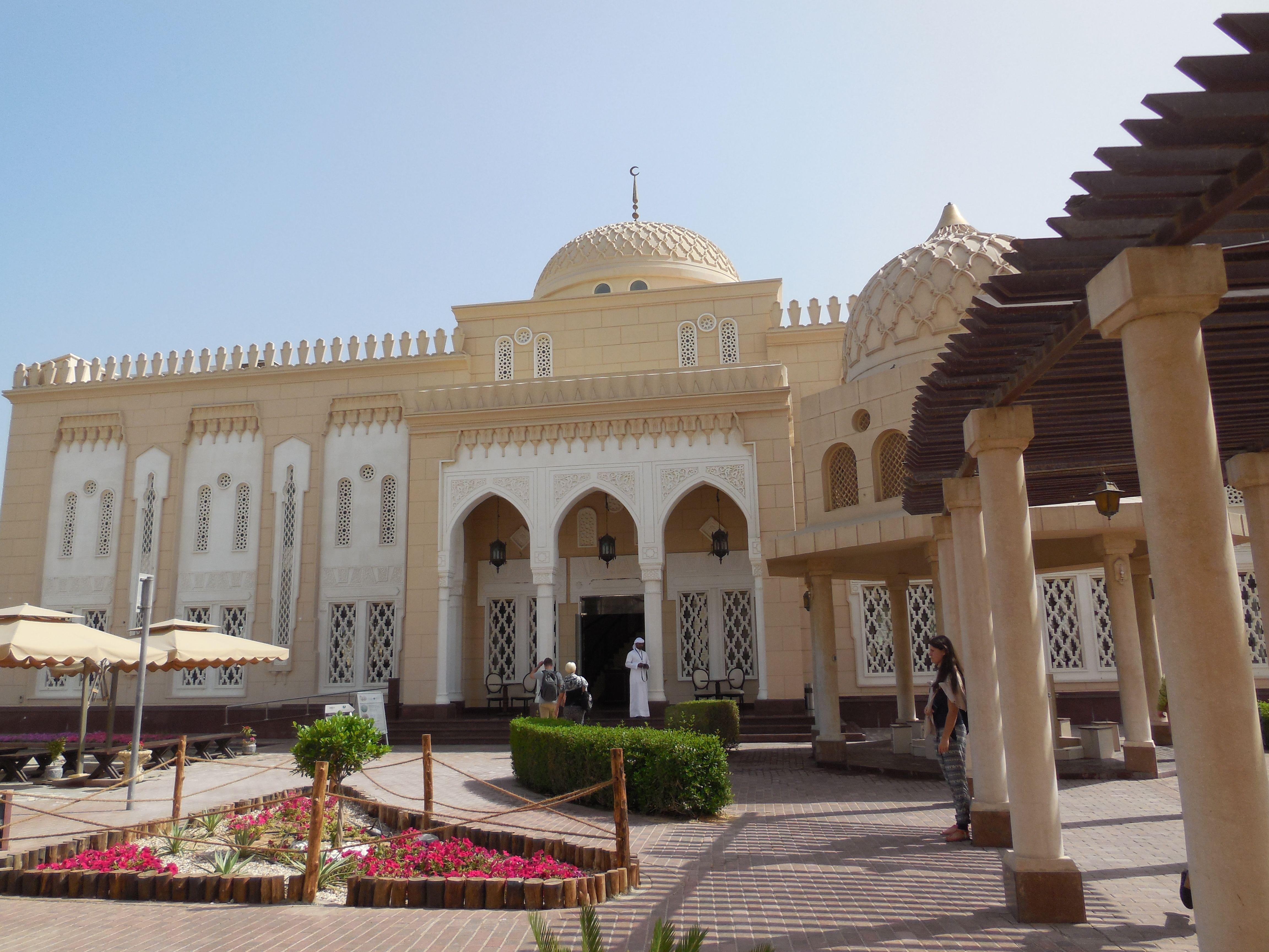 Ingang van de Jumeirah moskee #3MTT #NHTV