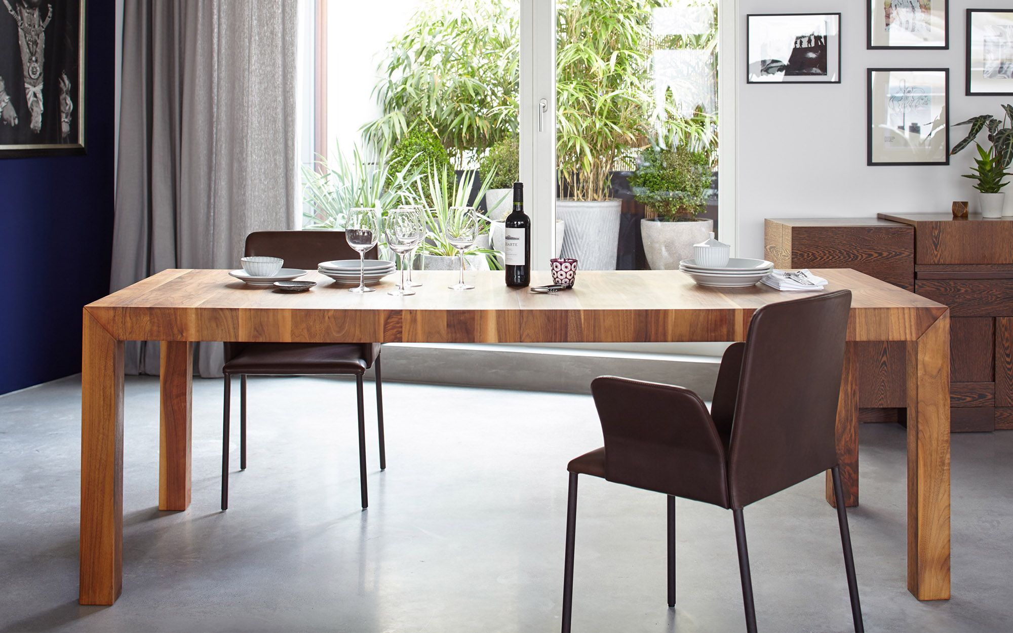 Living Room Furniture By More Volta Table And Corbo Chair - Wohn Und Esszimmer Möbel