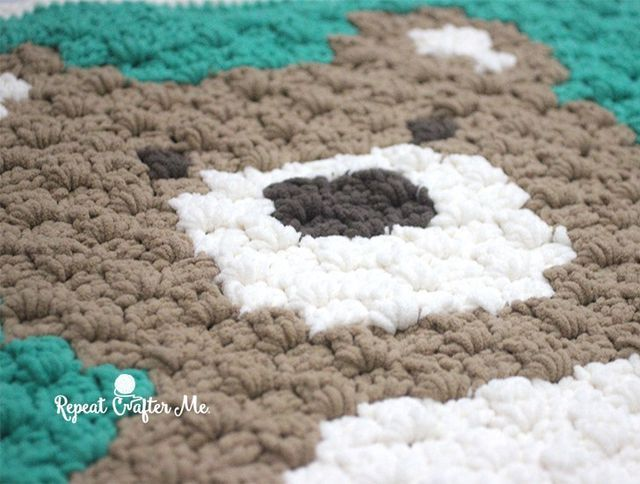 Crochet C2C Bernat Blanket Bear (Repeat Crafter Me) | BEBES : MANTAS ...