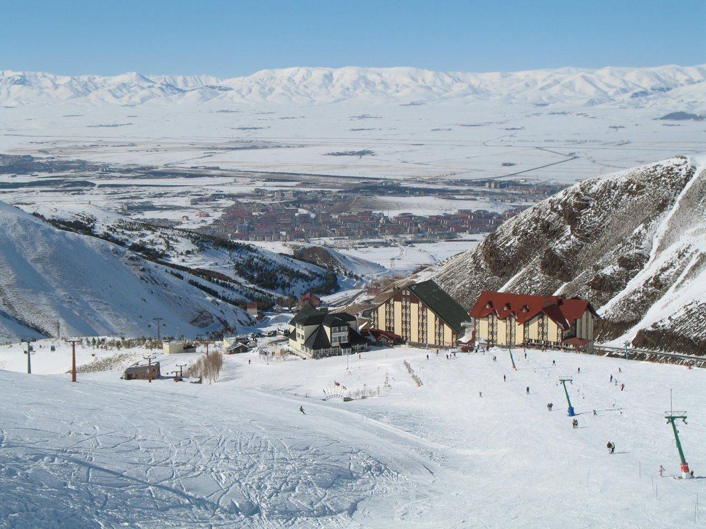 Teen girls in Erzurum