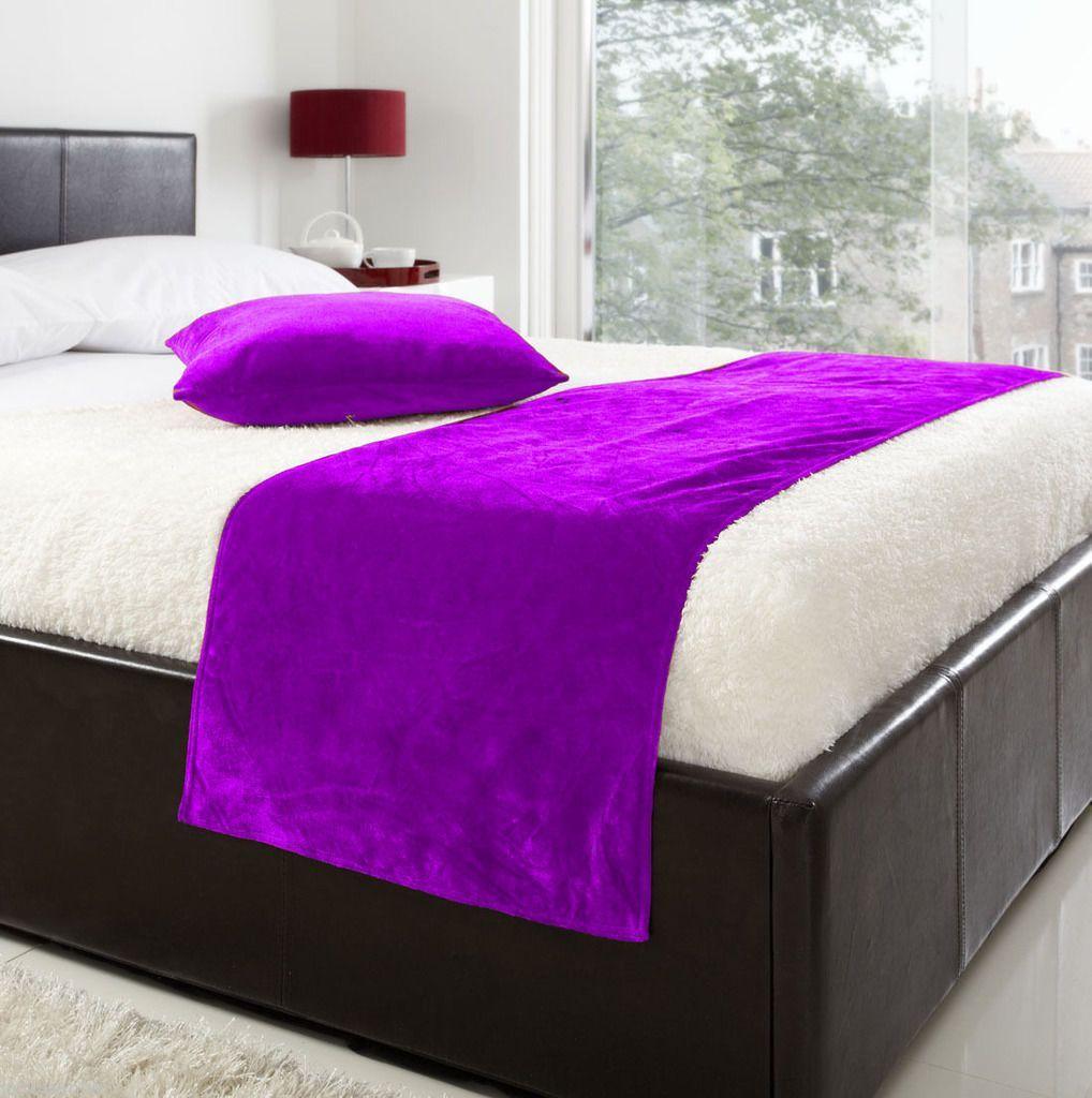 5 Pc Set Purple Velvet 19\'\'X78\'\' 1 Bed Runner + 4 X (18\'\'X18 ...