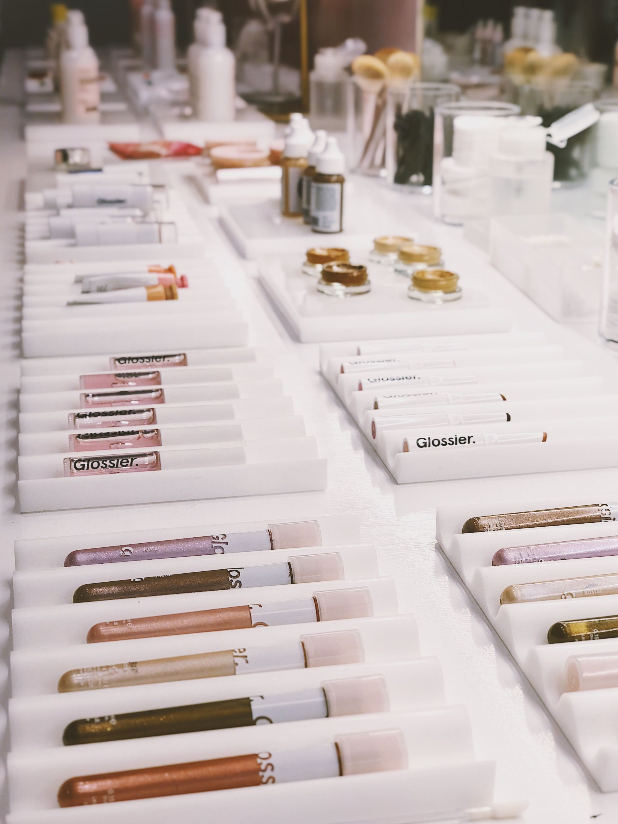 Visiting the Glossier Popup shop Glossier pop up, Pop