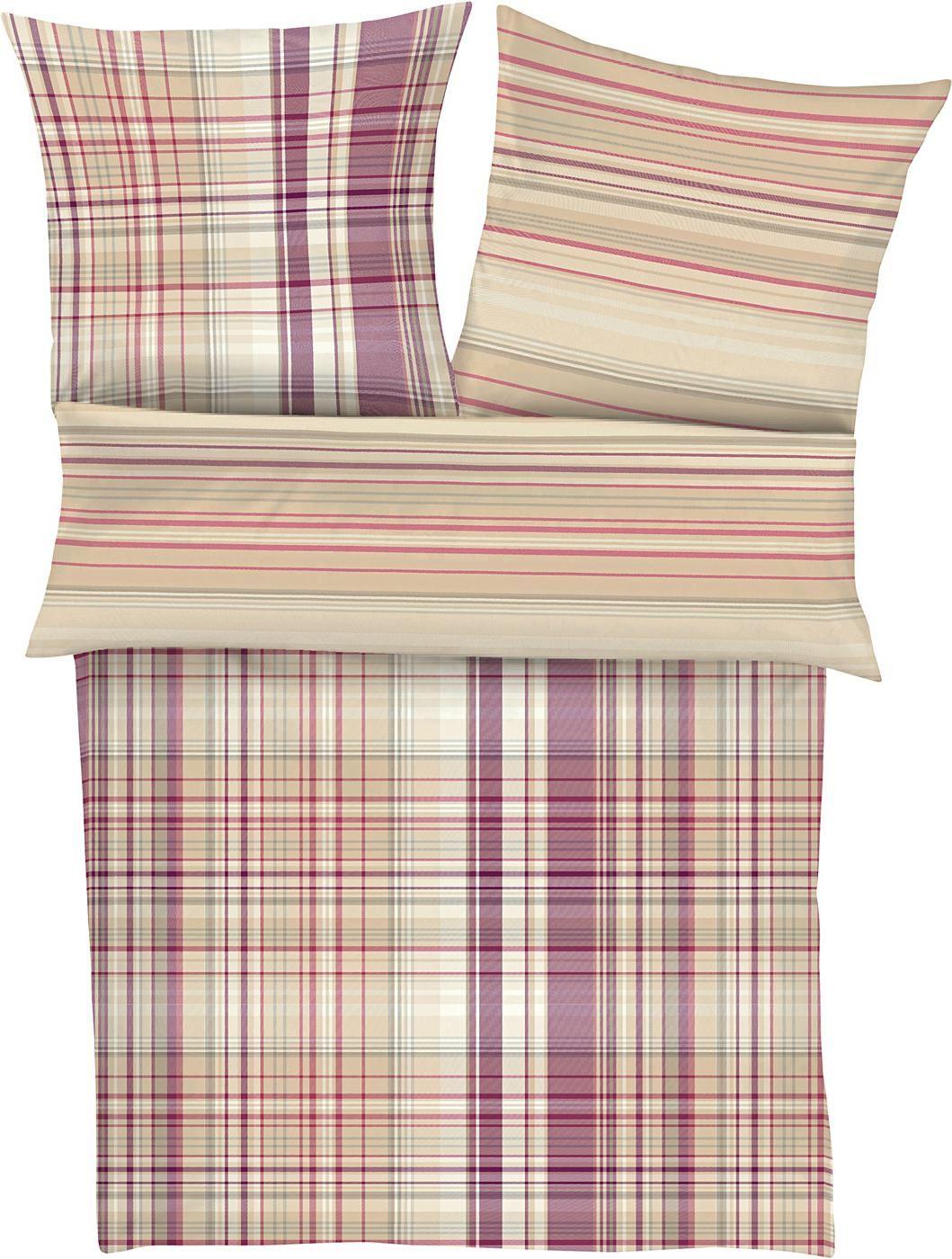 Kuschelweiche Feinflanellbettwäsche »Balu« der Marke s.Oliver, die Sie wunderbar schläfen lässt. Holen Sie sich den perfekten Begleiter für kalte Nächte zu sich nach Hause und kuscheln Sie sich in das hautfreundliche Material aus 100% Baumwolle. Das schöne Streifendesign aus sich überkreuzenden Streifen und Linien in verschiedenen Farben ziert die Vorderseite von Kissen- und Deckenbezug. Die We...