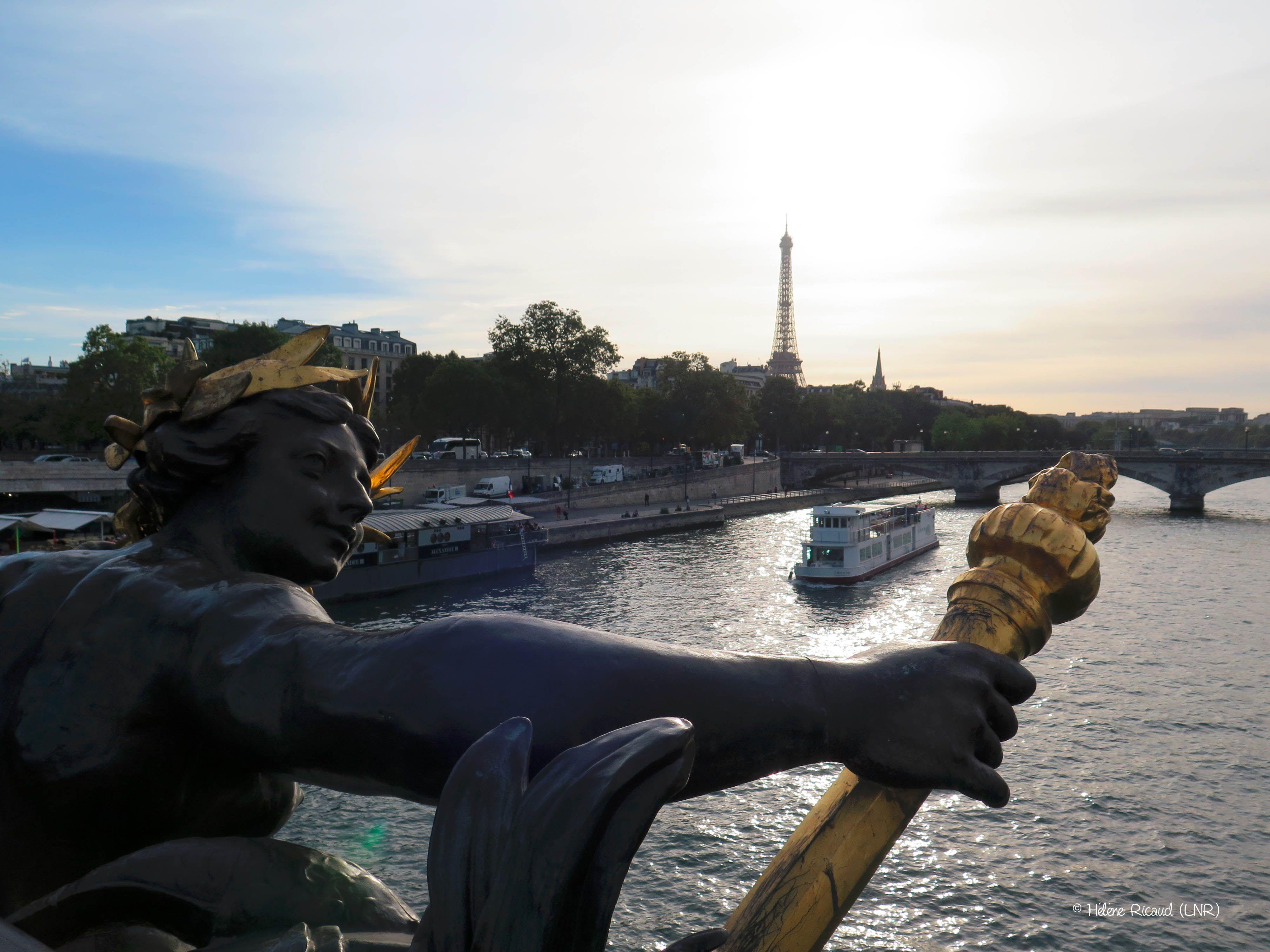 La Seine et la Tour Eiffel depuis le Pont Alexandre III_(8è Arrt)_Paris (France)_2016-09-27 © Hélène Ricaud (LNR)