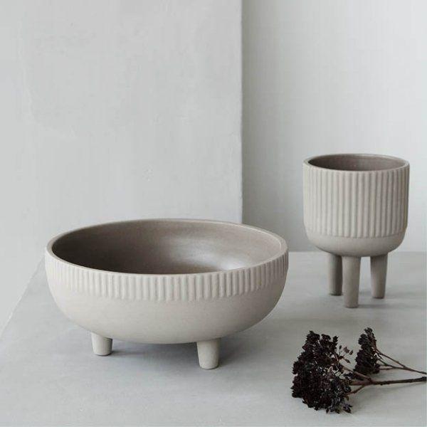 Bowl small - bloempot van Kristina Dam Studio - terracotta ...