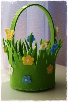Koszyk Wielkanocny Z Grubego Filcu Filcovo Koszyczki Wielkanocne Easter Crafts Easter Basket Diy Paper Crafts Diy Kids