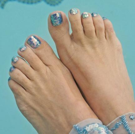 Glittery Mermaid Toes, Blue Sparkles, Pool Toes, Nail Art, Nail ...