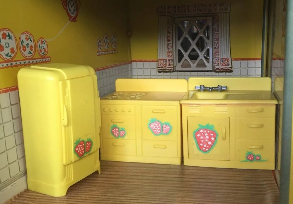 Renwal Styled Yellow Kitchen Appliance Set Vintage Tin Dollhouse Furniture 1 16 M Ebay Yellow Kitchen Appliances Kitchen Appliance Set Yellow Kitchen