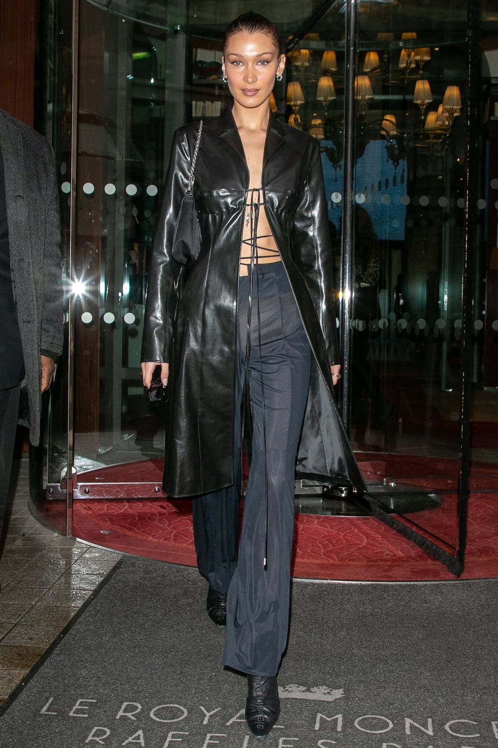 How To Wear Leather Coats Bella Hadid Outfits Fashion Long Black Jacket [ png ]