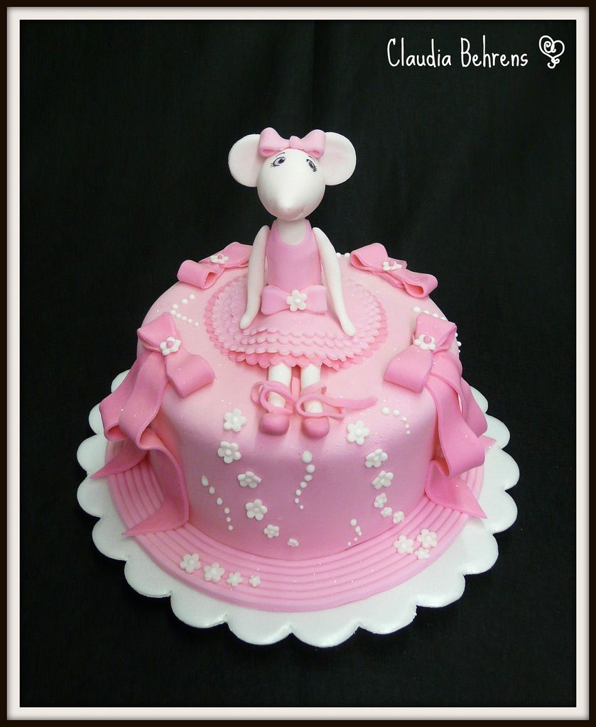Angelina Ballerina Cake- omg...do not let kaitlyn see this ...