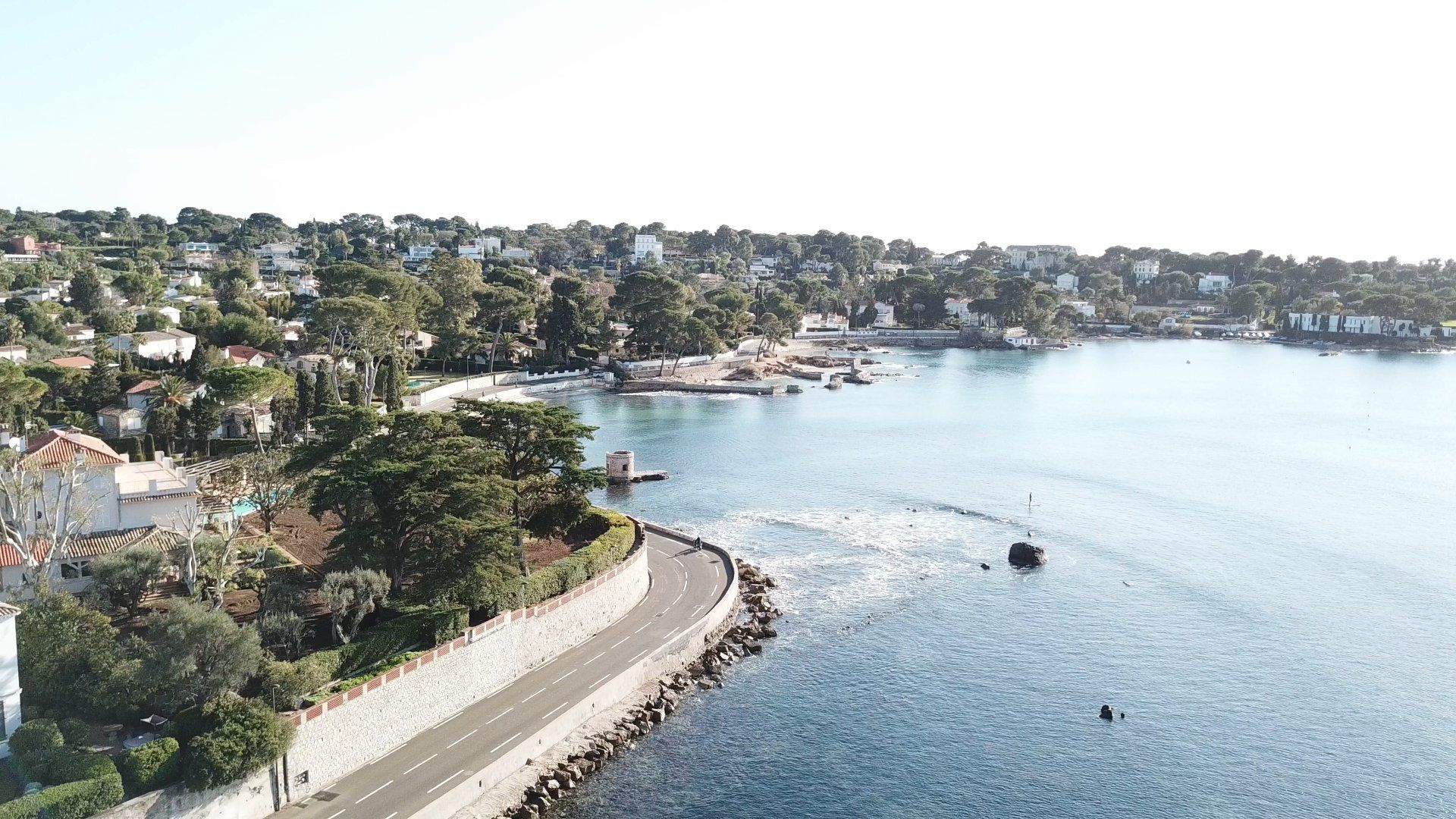Cap d'Antibes by drone. #Antibes #Côtedazur #juanlespins #CapdAntibes #FrenchRiviera #france #SuddelaFrance #SouthofFrance #Drone #DjiMavicPro #Aerialview #Dji
