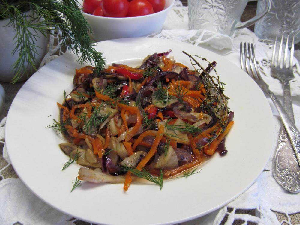 Запеченные грибы с овощами | Рецепт | Национальная еда ...