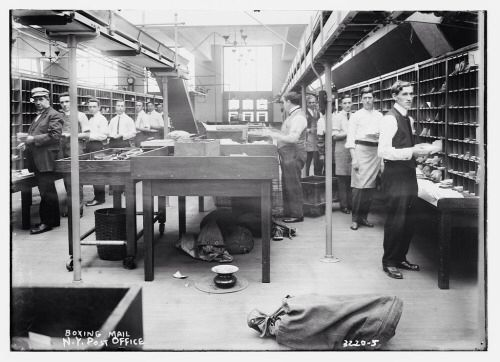 1915 Boxing Mail At The General Post Office Building Located At