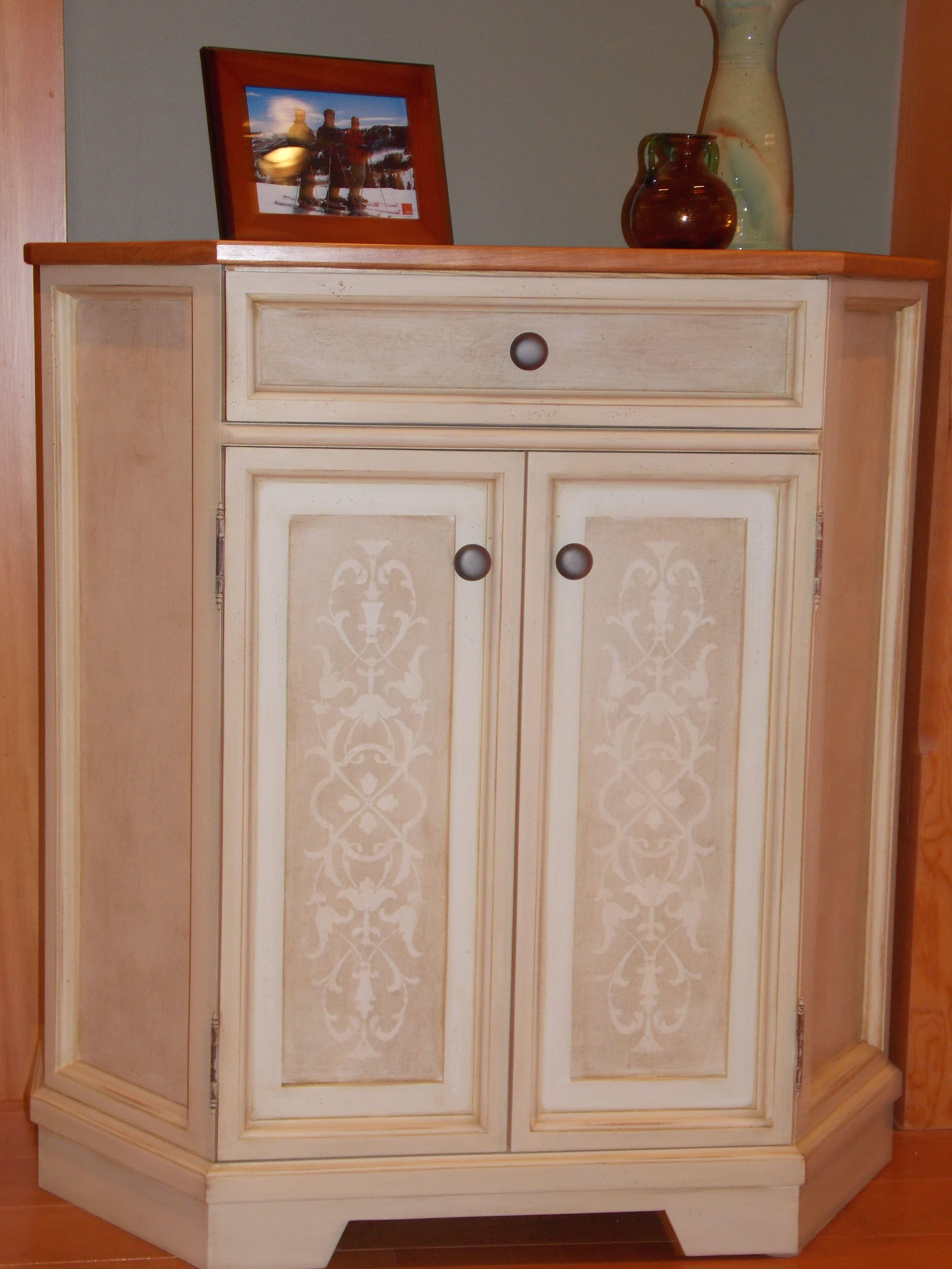 Custom Cabinet, Design By Bonnie Parker Interiors. Cabinet Maker,
