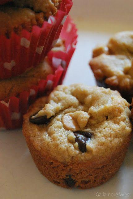 No Bake Mini Peanut Butter Chocolate Pies -- Tatertots and Jello