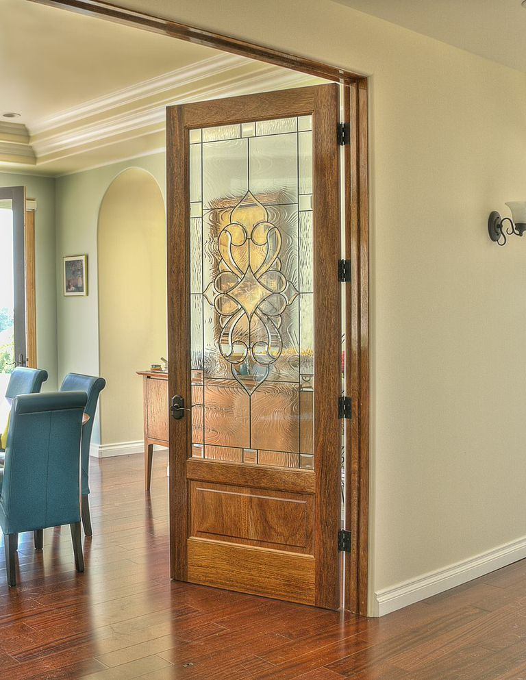 This door is a beautiful introduction to your living room!