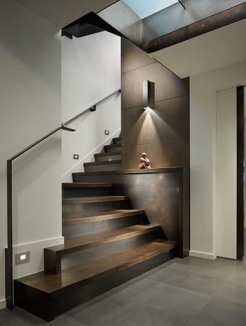 I Like The Wall Washer Lights 665 883 Modern Staircase Contemporary Stairs Modern House Design