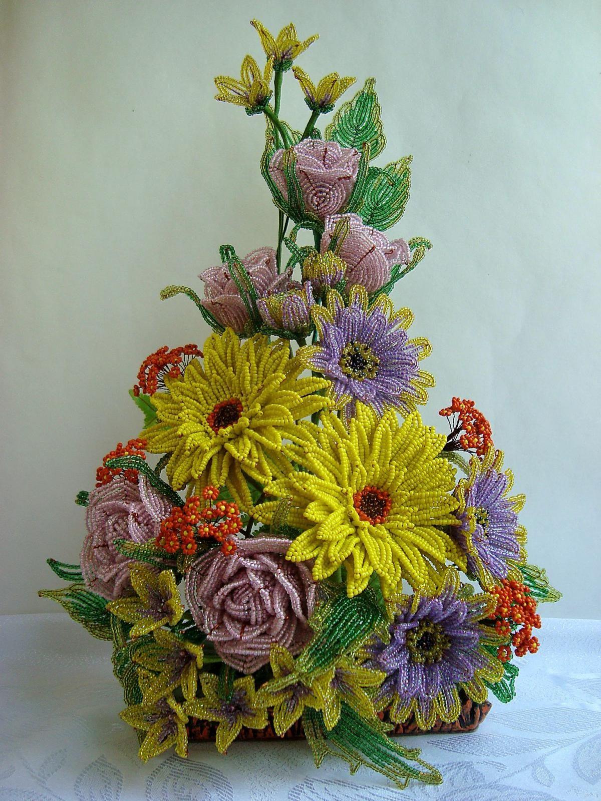 цветы из бисера композиции и букеты фото что подмешано это