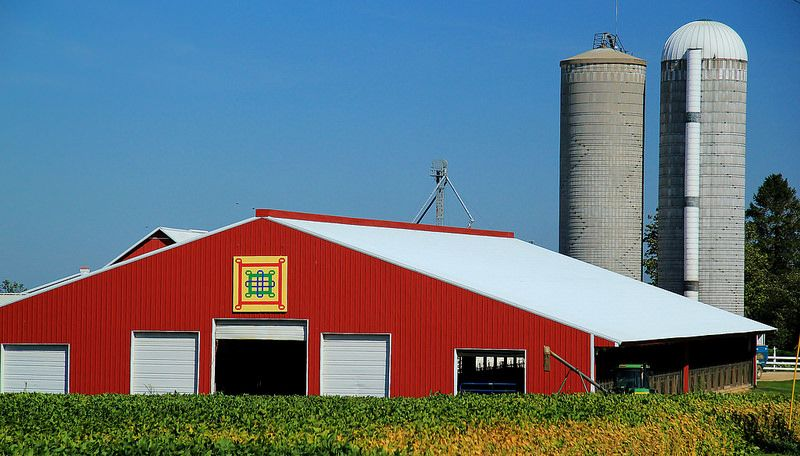 Red Steel Barn With Quilt | Flickr - Photo Sharing!