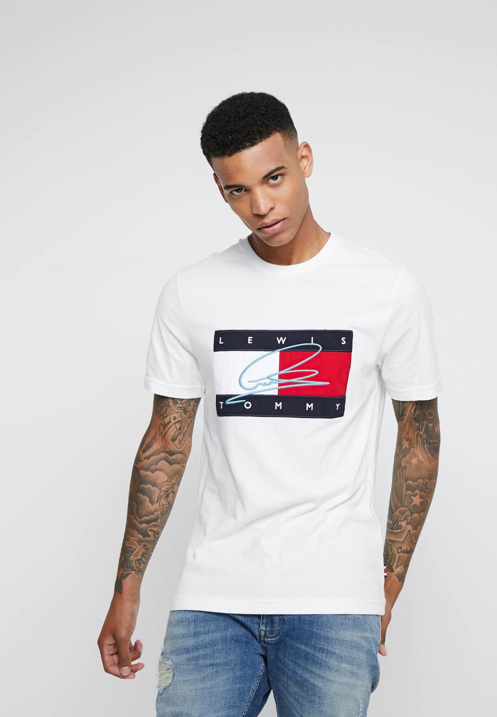 Lewis Hamilton Rwb Signature Logo Tee Camiseta Estampada White Zalando Es Camiseta Tommy Hilfiger Camiseta Estampada Ropa De Hombre
