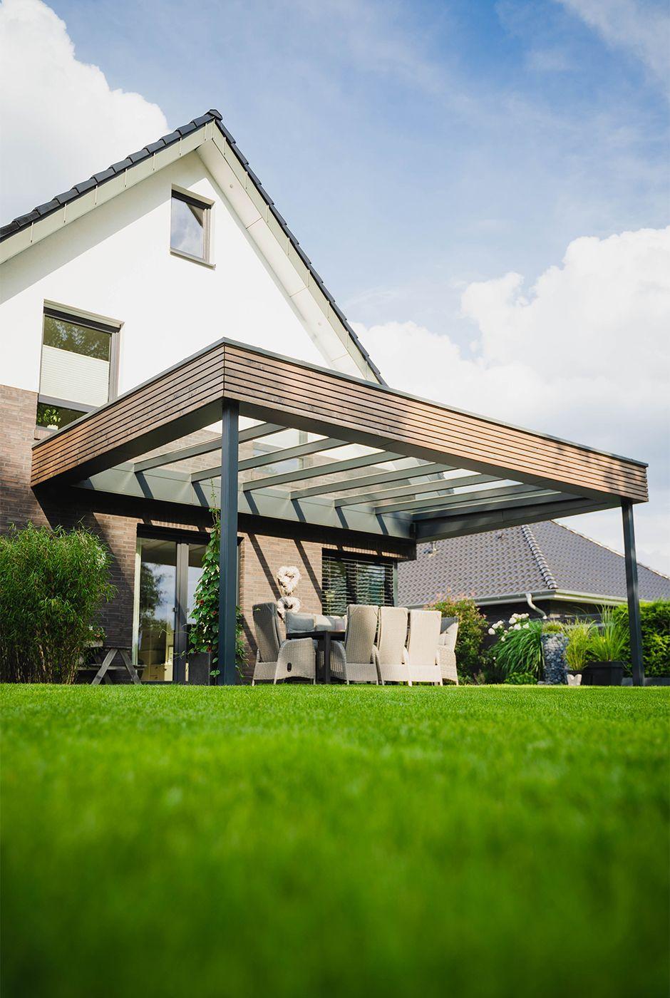 Photo of Terrassenüberdachung aus Aluminium mit Rhombus