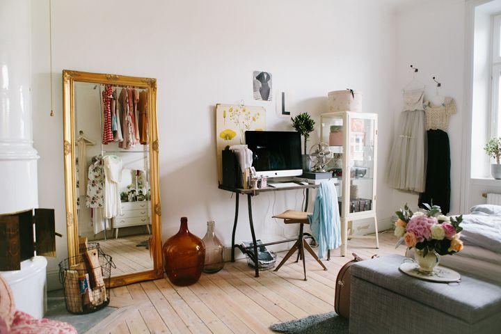 Miroir posé à même le sol | Home sweet home - Details | Pinterest ...