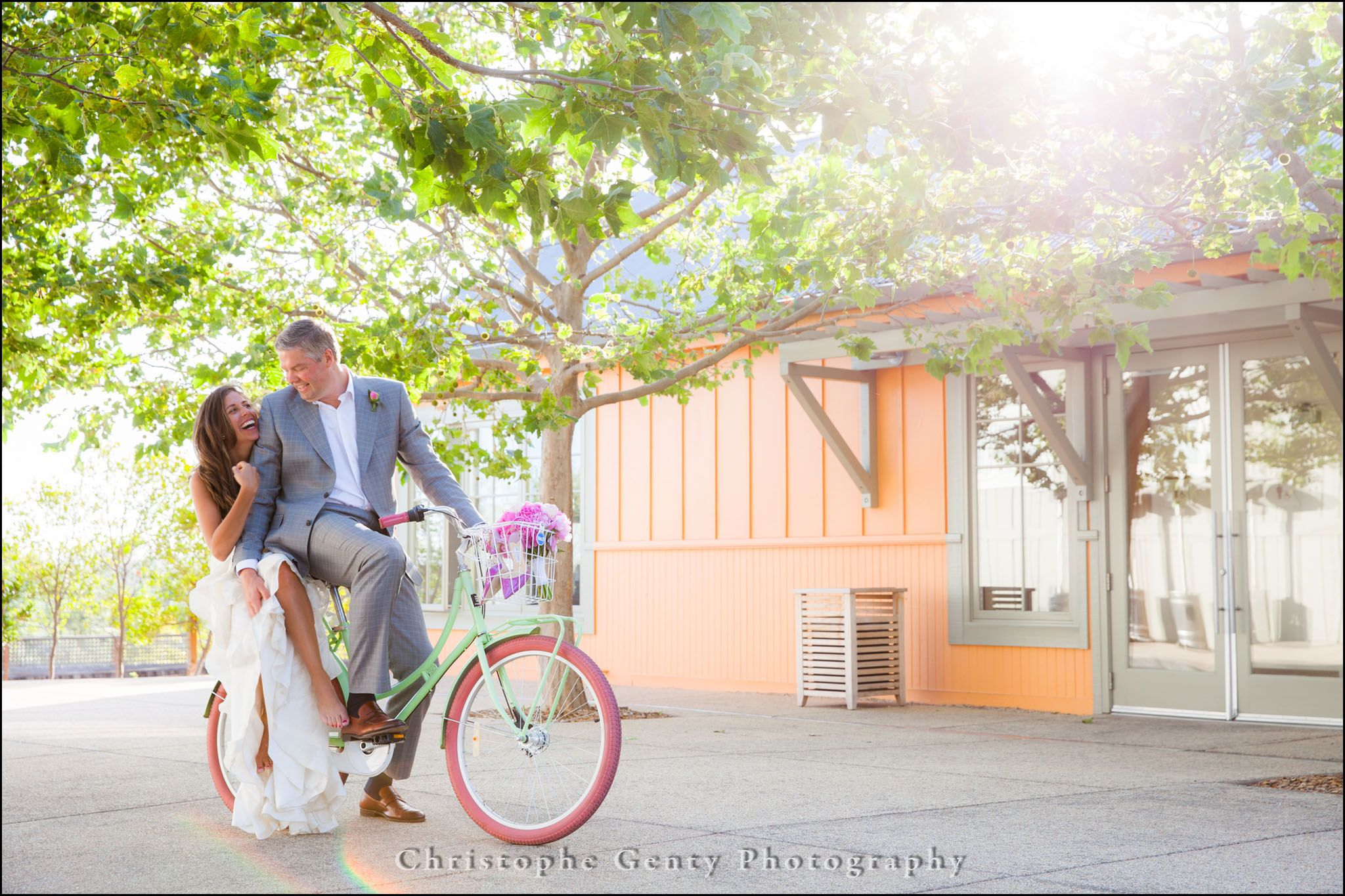 Wedding Photography at The Carneros Inn in the Napa Valley, CA | Christophe Genty Photography #bicycle #wedding #photography @thecarnerosinn