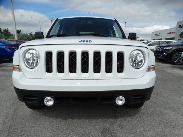 720 New Cdjr Cars Suvs In Stock Jeep Patriot Jeep Dodge Chrysler