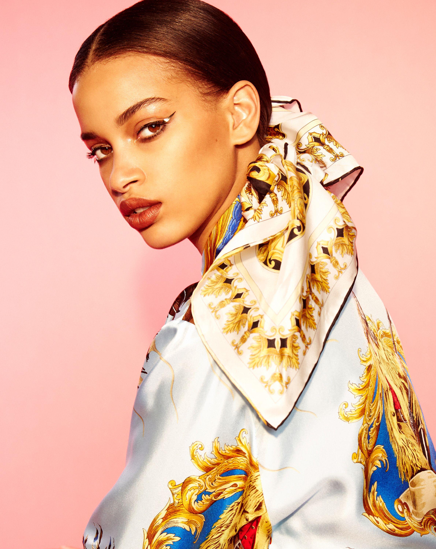4 Fierce Beauty Looks To Try Now Versace, Met gala