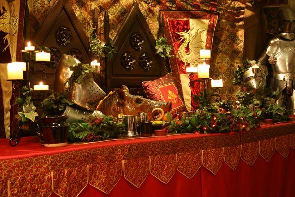 Medevil wedding decor medieval dining and decoration for Medieval decor