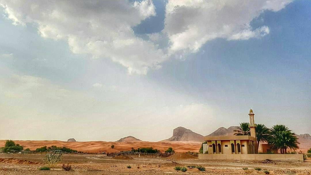 شبكة أجواء الإمارات Wld Alra3i منظر يحكي قصة جمال الطبيعة بتدرج ألوانها و تعدد تضاريسها في صورة صبا Monument Valley Natural Landmarks Nature