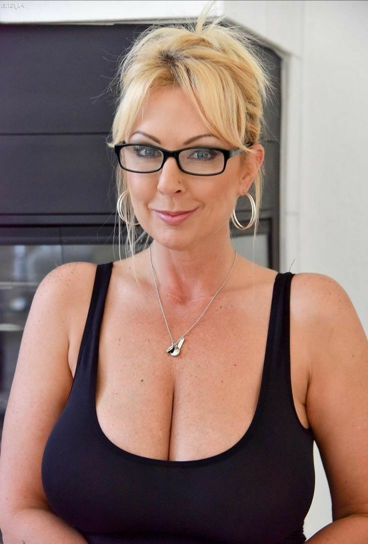 gorgeous big black titties