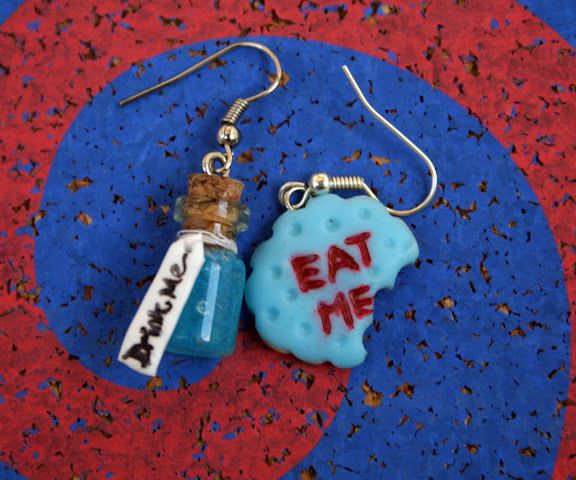 eat me cookies | ... with Drink Me Bottle and Eat Me Cookie, Disney Version, Bitten