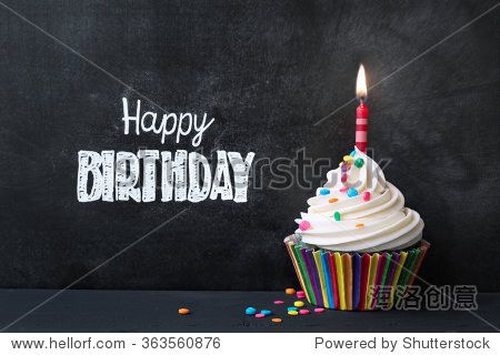Birthday cupcake in front of a chalkboard-站酷海洛正版图片, 视频, 音乐素材交易平台 - Shutterstock中国独家合作伙伴 - 站酷旗下品牌