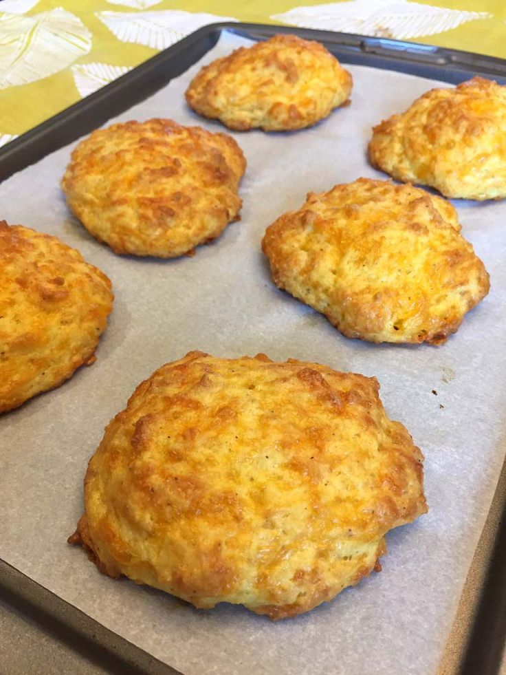 Keto Cheddar Biscuits (Red Lobster Copycat)